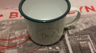 Mug vintage en inox_ coffee made me_do it